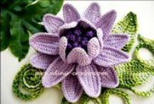 Flores de croche / by Eliane Arf