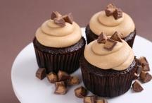 Cupcake Recipes / by Blue Door Bakery