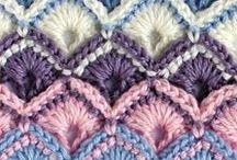 puntos de crochet / by Maria Montero