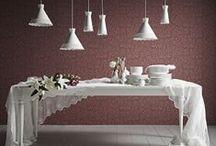 Klassisk elegance / Romantikken blomstrer hos IKEA. Den bløde og feminine stil er præget af masser af tekstiler med blomstrede mønstre, lamper med mønstre, spejle samt yndefulde møbler i pastelfarver og hvid. / by IKEA DANMARK
