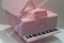 nappy cakes / by Angie Gencay