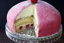 Cakes / by Mette Juulsgaard Mathiasen