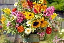 floral bouquets / So pretty!! / by Susan Horner