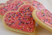 Sweets & Treats / by Rika Bradley