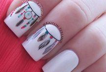 Nails look faaabulous! / Nailpolish / by Pinar