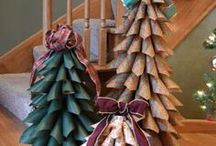 Holidays: Jingle Bells & New Years / Christmas and New Year ideas / by Toi Landon