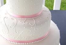 Keiana's Wedding: cake ideas / by Shauna C