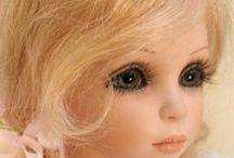 """Куклы-красавицы. / Эти куклы созданы из фарфора, пластика и дерева (антикварные). Но были и творожные, пропитанные прополисом. Их  делали для малюток в 17 - 18 веках в Украине. Кроха всё тянет в ротик. Игрушка укрепляла иммунитет, улучшала здоровье. Через несколько часов эту """"куклу"""" съедали и делали новую. / by Леди Тигр ххх"""