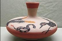 CERÁMICAS Y PIEZAS... 3 / Cerámicas, porcelanas y otros materiales en piezas decorativas. / by Pilar Sánchez Robles