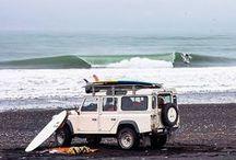 SURF AVEC LES VAGUES / by Claire