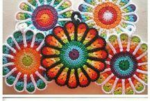 Crochet / Maravilha do crochet......amo! Descontrai, da prazer e quando feito, euforia total... / by Sara Mendes