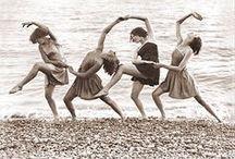 Dance / by Chloe Nielsen