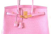 Purses Commercially Made / by Linda Goin