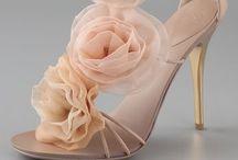 Zapatos / Zapatos!!!!! / by Jacqueline Rodríguez Lobo