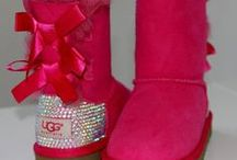 Uggs / by Lucille Guay