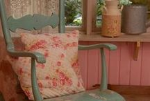 Shabby Chic-ly Green and Pinkly / by Linnie Lou