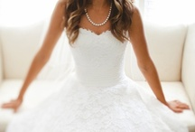 Wedding Inspiration / Wedding dreams, inspiration and more. From dress to bouquets to photo ideas.  / by RacheI