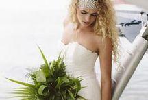 Green Wedding / green wedding inspiration and ideas  / by Sara | Burnett's Boards