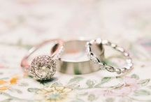Rings / Beautiful rings - engagement and otherwise  / by Sara | Burnett's Boards