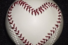Baseball LOVE / As in baseball as in life, all the important things happen at home / by Hannah Goralski