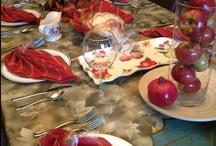 Holiday Table Settings / See beautiful Jewish holiday table settings for Rosh Hashanah, Yom Kippur, Sukkot, Hanukkah (Chanukkah), Purim, Passover and more... / by Jewish / Kosher Recipes