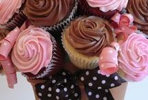 cupcakes / by Ivana Jirankova