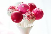 Cake Pop Monday / A selection of cake pops for eating on #cakepopmonday #inspirationteamolivia Read more about #CakePopMonday and to get involved http://makarijoskifamily.com/2014/07/30/will-you-join-me-cake-pop-monday-inspirationteamolivia/ / by Pet Sitters Ireland