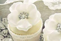 Cupcakes / by Robin Borm-Boerdijk
