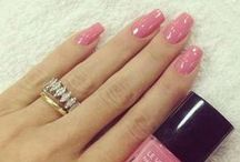 nails / by Elyssa <3