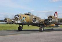 Aviones Bombarderos / by JMJ