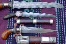 Blades Fetish / Gettare coltelli bendati, gettare i coltelli in tutte le direzioni... / by Francois Toutssaint LaFayette