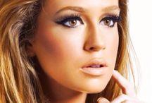 Beauty & Make Up / by Talita Beccaris Thompson