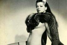 Burlesqueish / by Viva Valezz