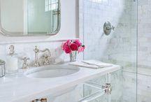 Bathrooms / by Brianne Di Cesare