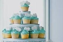 cupcakes / by Joyce Lewandowski