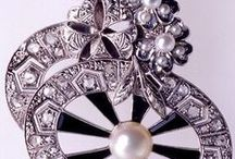 Jewelry - Pearls / MIKIMOTO Pearls, Autore Pearls, Pearl jewelry design... / by Dawn Chung