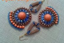 Free beading tutorials / Free tutorials to help you learning how to create stunning jewelry from great beading and jewelry artists. Thanks to all of them for their generosity! / by Ana Lago