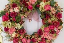 Wreaths / by Nancy DeBoer