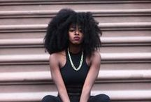 Black girls with long hair / Filles aux longs cheveux crépus / Youtubers, bloggers... with long nappy hair / Youtubeuses, bloggeuses,etc. aux longs cheveux crépus... / by Maud Rouget
