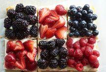 Berries, Franboises, Cassis, Myrtilles, Fraises / by Gabriel Ribeiro