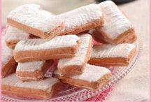 Biskuits, Biscoitos, Biscotti, StroopWafel, Wafer Cookies, Kit Kat Bars, Ladyfingers / by Gabriel Ribeiro