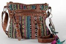 Handbags style / by Sonya Apolina