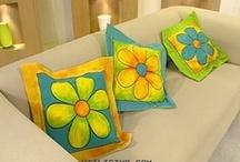 Almofadas (3), peso de porta e outros - Pillows, door weight and other / by Angela Espanhola