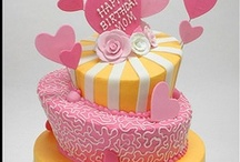 Inspiring Decorated Cakes & Cupcakes / by Jan Fox