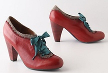 Covet: Shoes, socks and tights / by Stephani Carter