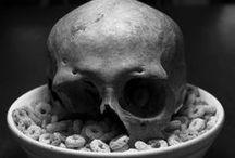 Skull-diggery... cos I dig skulls ;) / by Bunniboila