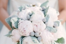 (Breathtaking Bouquets) / Gorgeous bouquets in all shades and colours for the gals at your wedding. / by DIY Wedding Planning