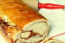 tasty - breads / by Kristin Clove