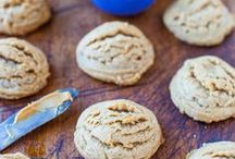 Flourless Chocolate Peanut Butter Cookies / by Melanie Hoite