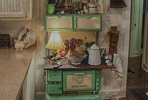 Vintage Kitchen Appliances, Dishes, Pots & Pans Etc. / by Hammack's Wood-N-Cloth Crafts